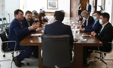 CEO da Araupel e Prefeito de Quedas do Iguaçu são recebidos pelo governador
